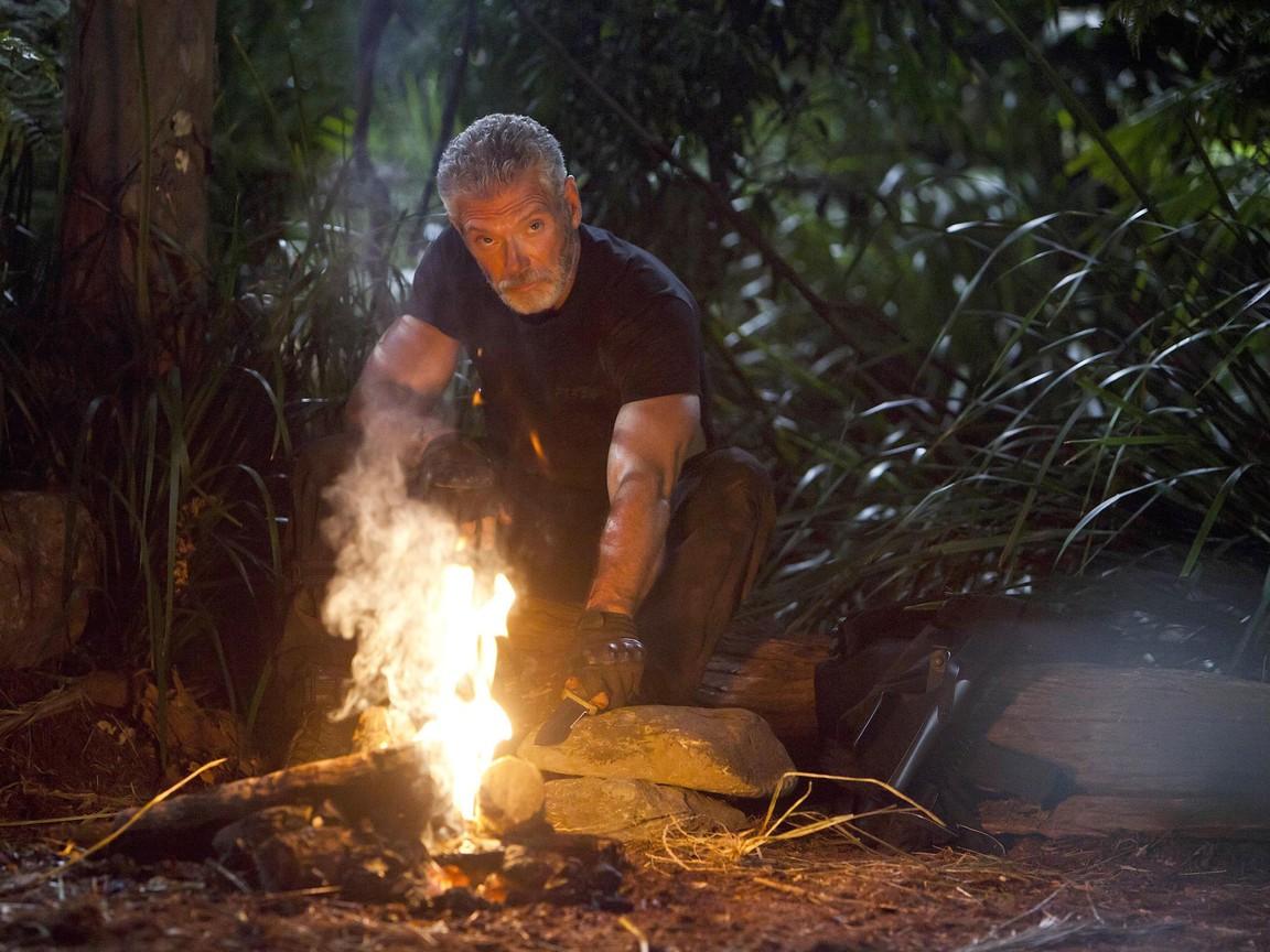 Terra Nova - Season 1 Episode 10: Now You See Me