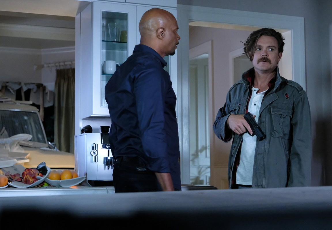 Lethal Weapon - Season 2 Episode 10: Wreck The Halls