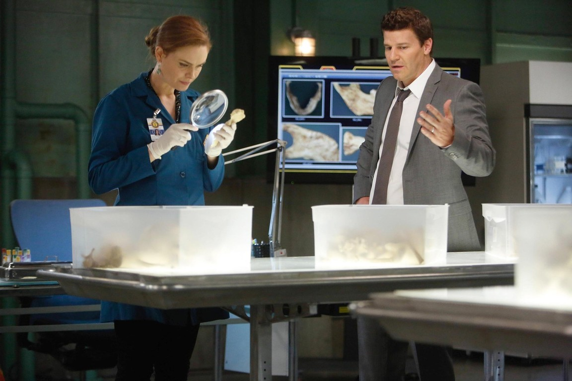 Bones - Season 9 Episode 12: The Ghost in the Killer