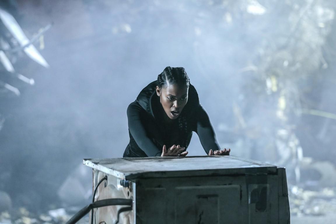 Black Lightning - Season 1 Episode 03: Lawanda: The Book of Burial