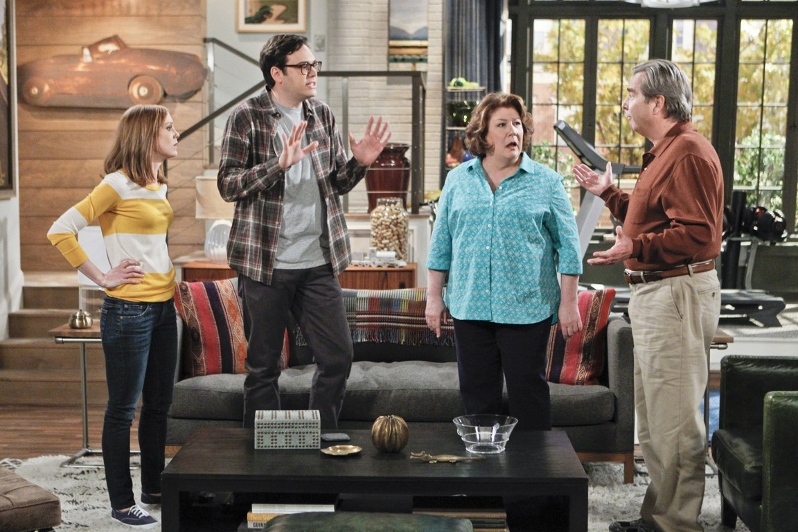 The Millers - Season 1 Episode 17: Plus One