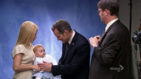 The Office - Season 8 Episode 24: Free Family Portrait Studio