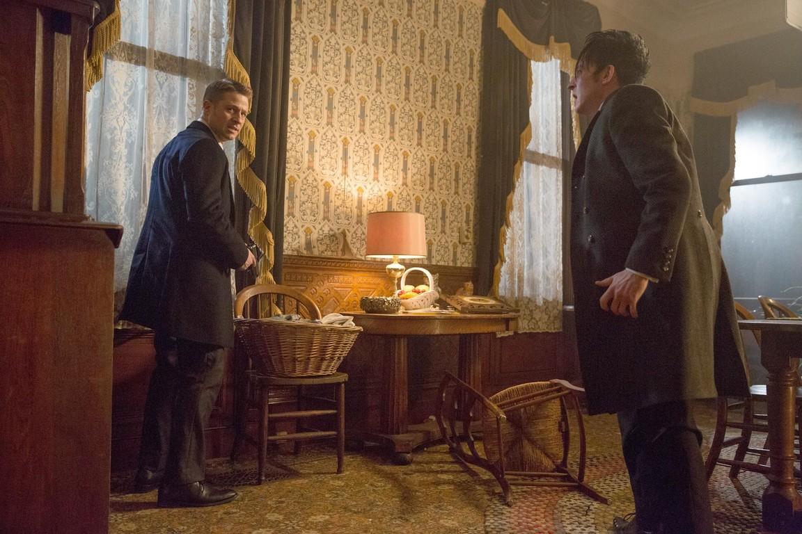 Gotham - Season 1 Episode 18: Everyone Has a Cobblepot