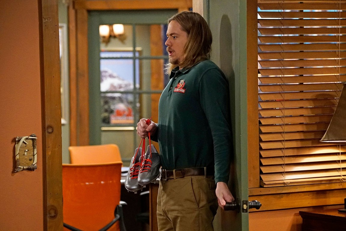 Last Man Standing - Season 6 Episode 12: Three Sisters
