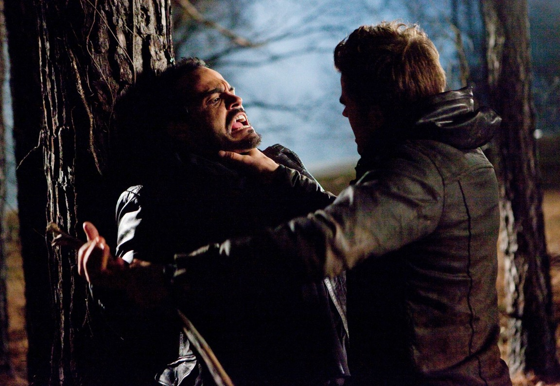 The Vampire Diaries - Season 1 Episode 17: Let the Right One In