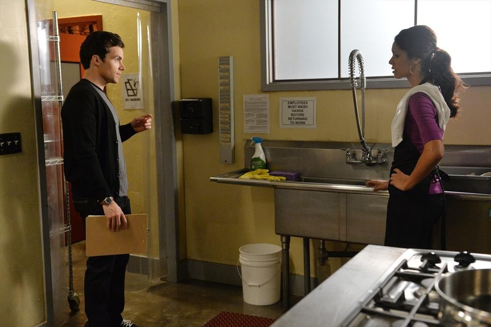 Pretty Little Liars - Season 5 Episode 19: Out, Damned Spot