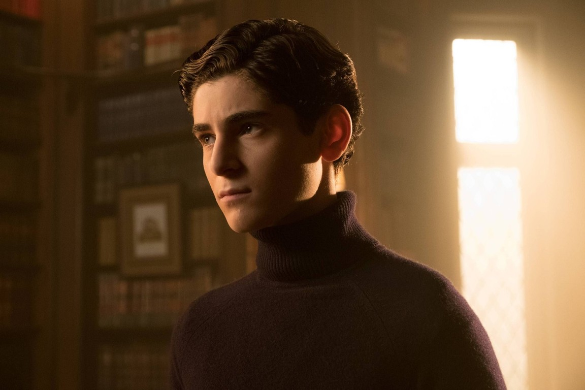 Gotham - Season 3 Episode 13: Smile Like You Mean It