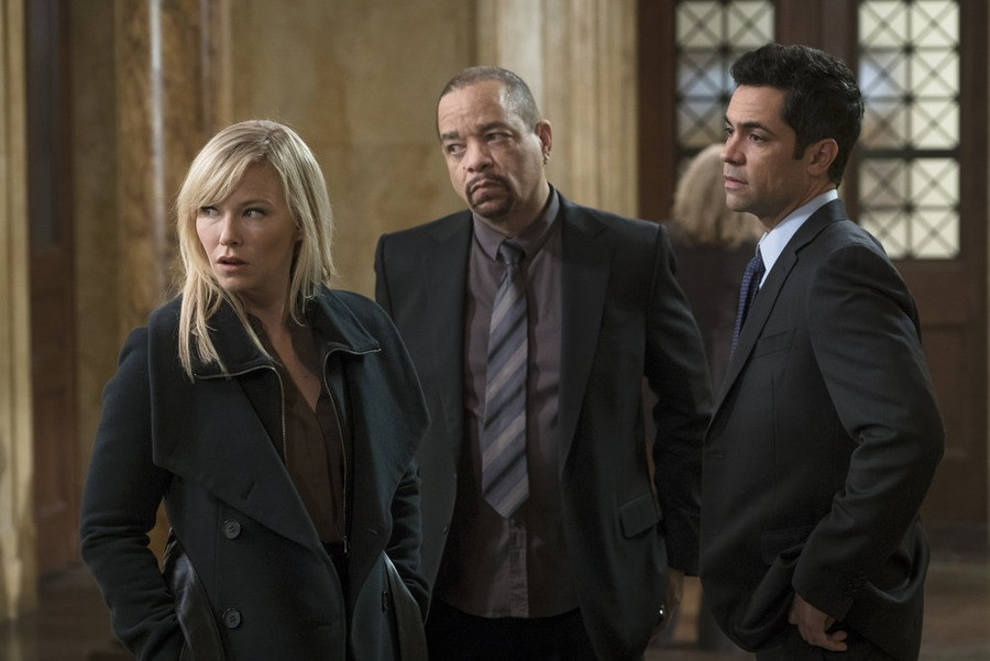 Law & Order: Special Victims Unit - Season 16 Episode 10: Forgiving Rollins