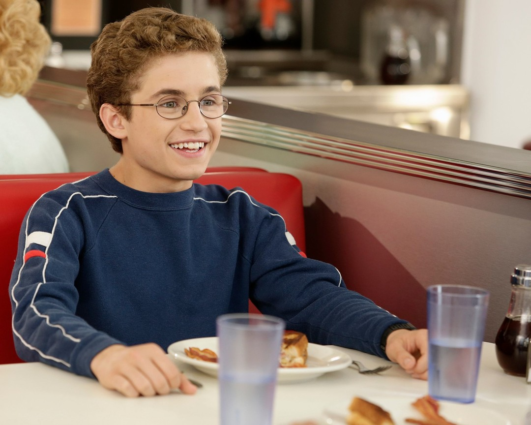 The Goldbergs - Season 4 Episode 03: George George Glass