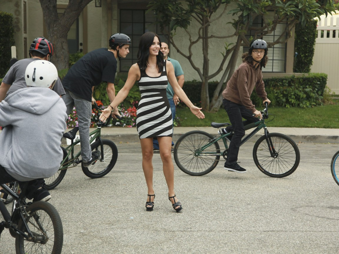 Cougar Town - Season 3 Episode 04: Full Moon Fever