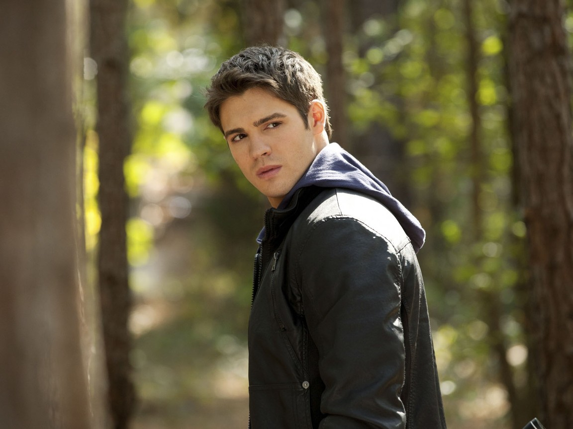 The Vampire Diaries - Season 3 Episode 10: The New Deal