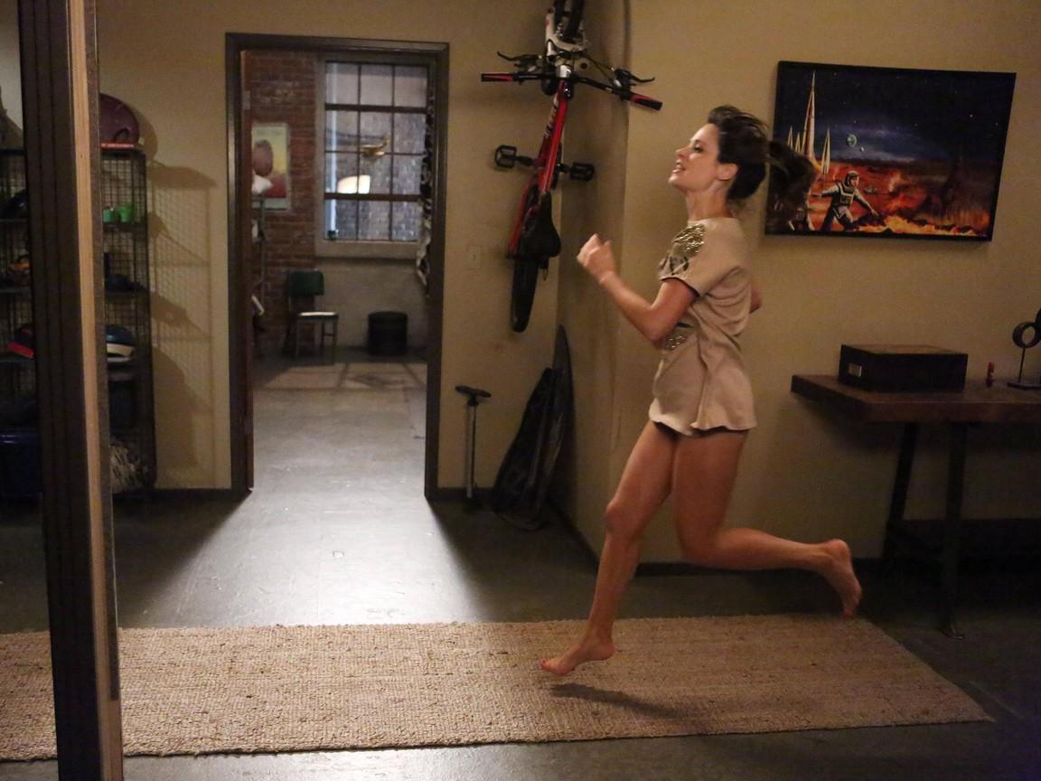 New Girl - Season 2 Episode 15: Cooler