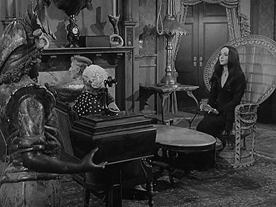 The Addams Family - Season 1 Episode 06: Morticia Joins the Ladies League