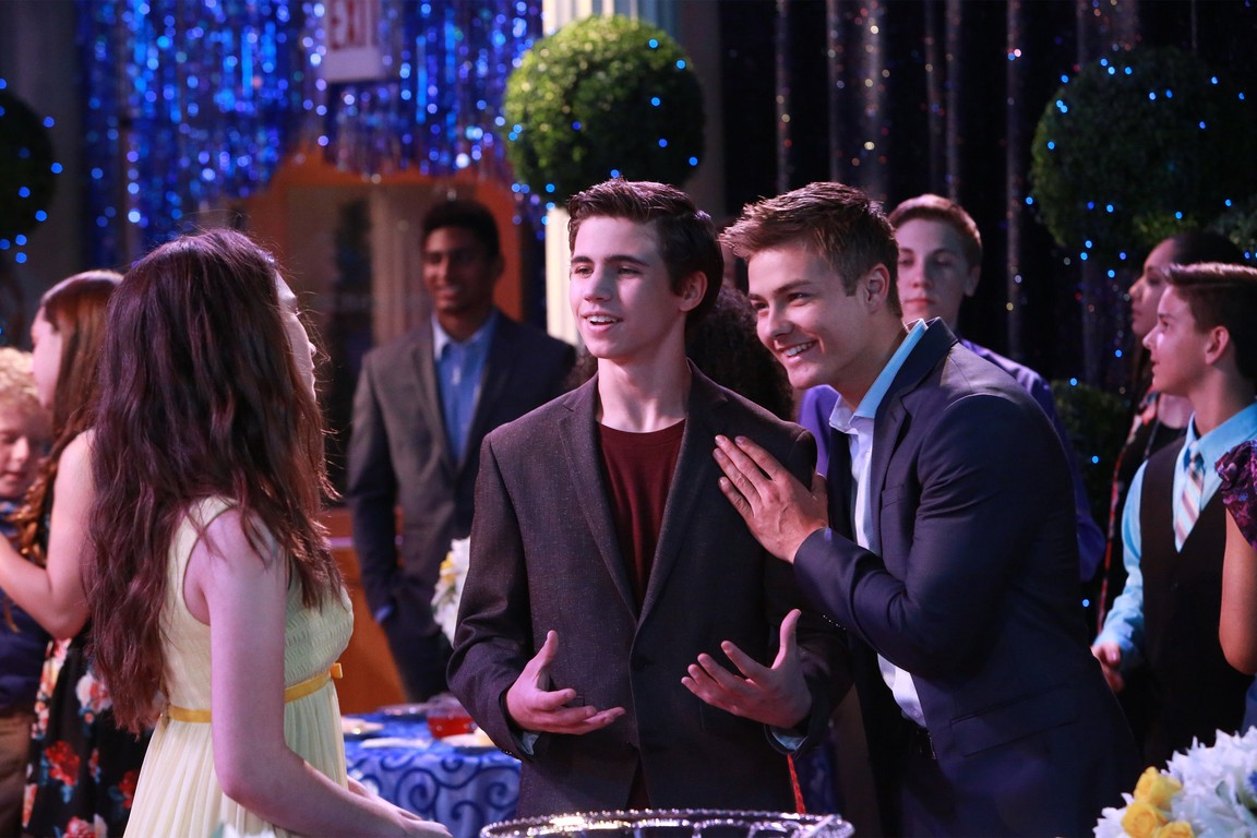 Girl Meets World - Season 2 Episode 14: Girl Meets Creativity
