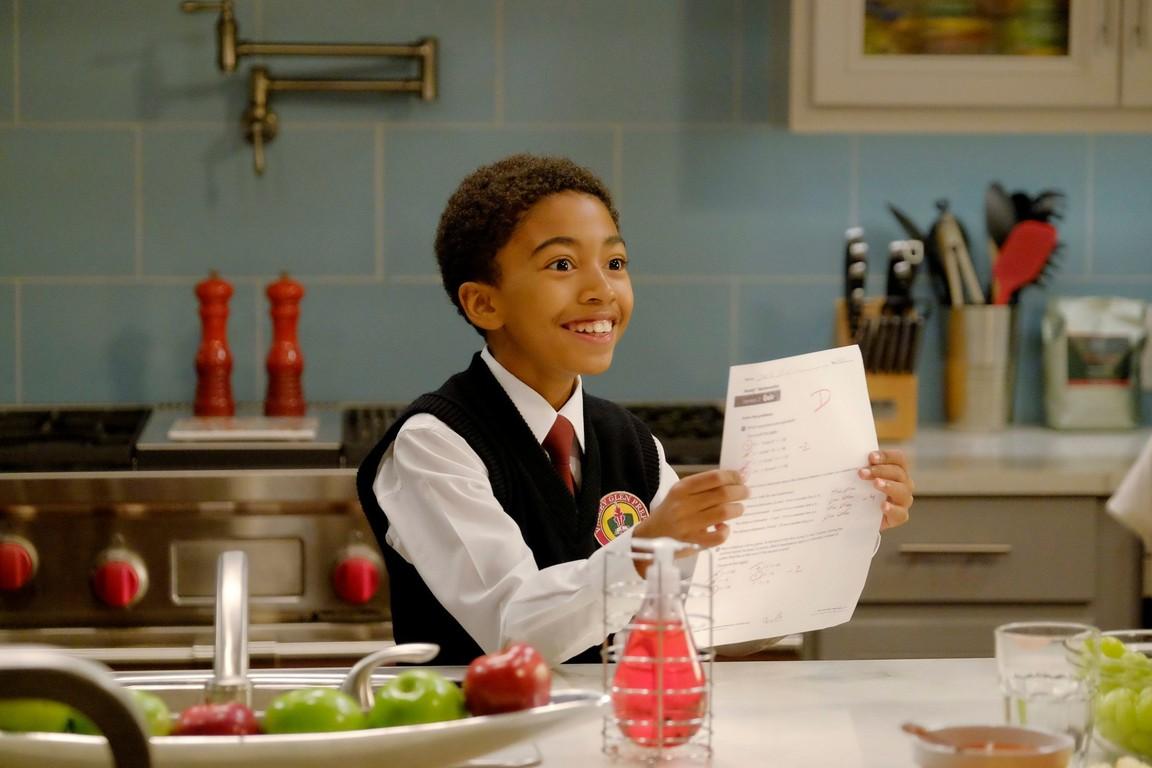 Black-ish - Season 3 Episode 08: Being Bow-Racial