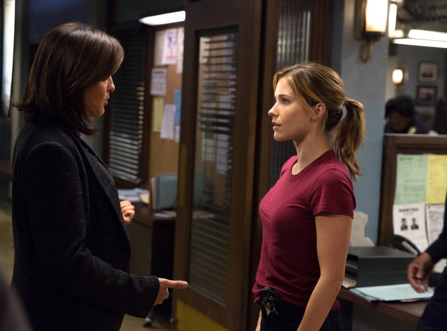 Law & Order: Special Victims Unit - Season 16 Episode 07: Chicago Crossover