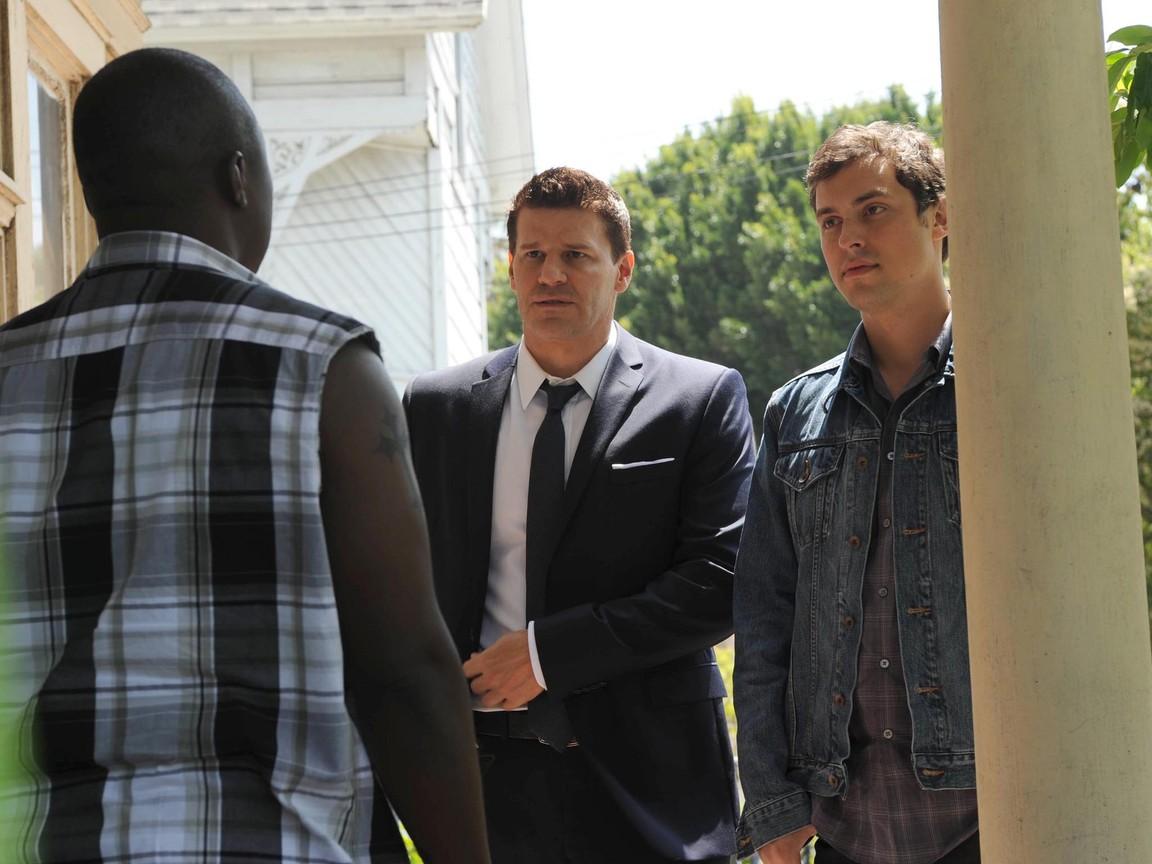 Bones - Season 9 Episode 03: El Carnicero en el Coche