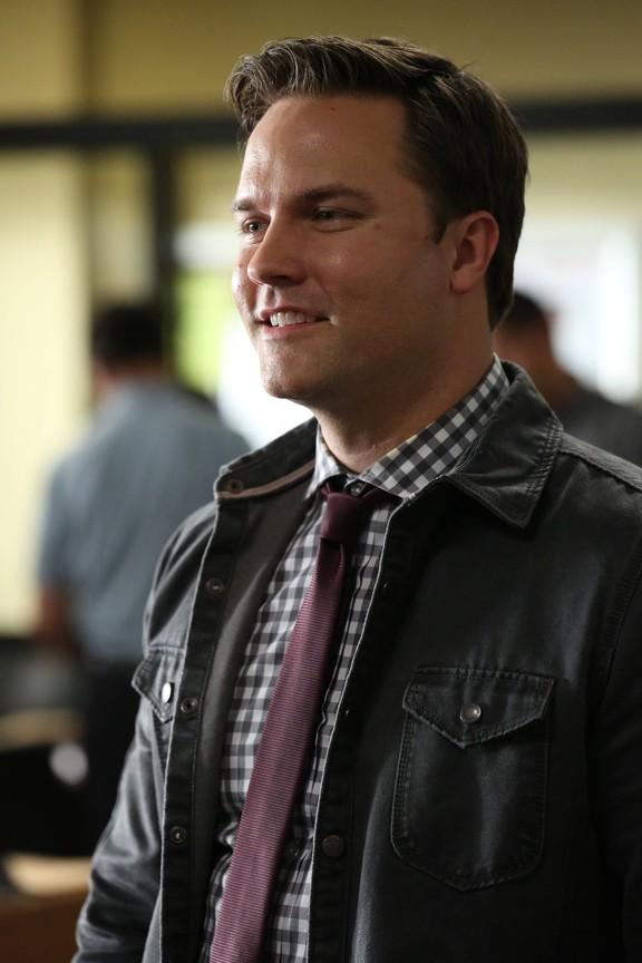 Rosewood - Season 1 Episode 13: Ballistics & BFFs