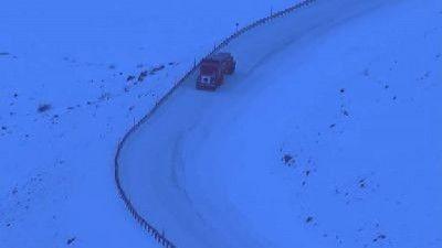 Ice Road Truckers - Season 4 Episode 06: Danger at 55 Below