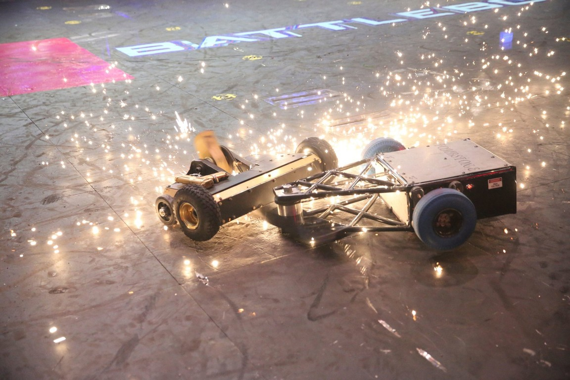 BattleBots - Season 2 Episode 07: Rise of the Machines: The Round of 16 Part 2