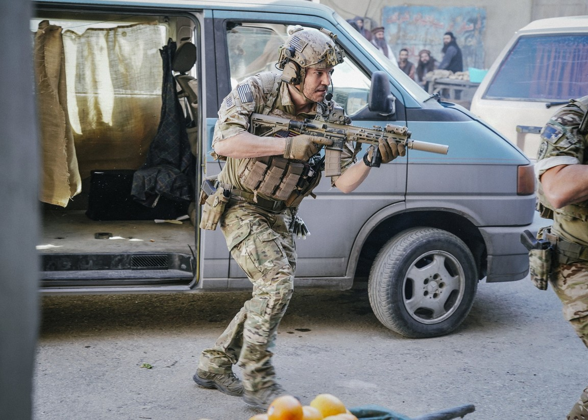 SEAL Team- Season 1 Episode 13: Getaway Day