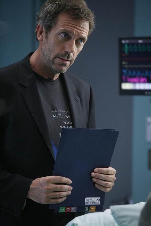 House M.D. - Season 4 Episode 01: Alone