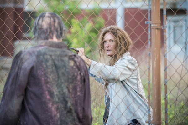 The Walking Dead - Season 5 Episode 01: No Sanctuary