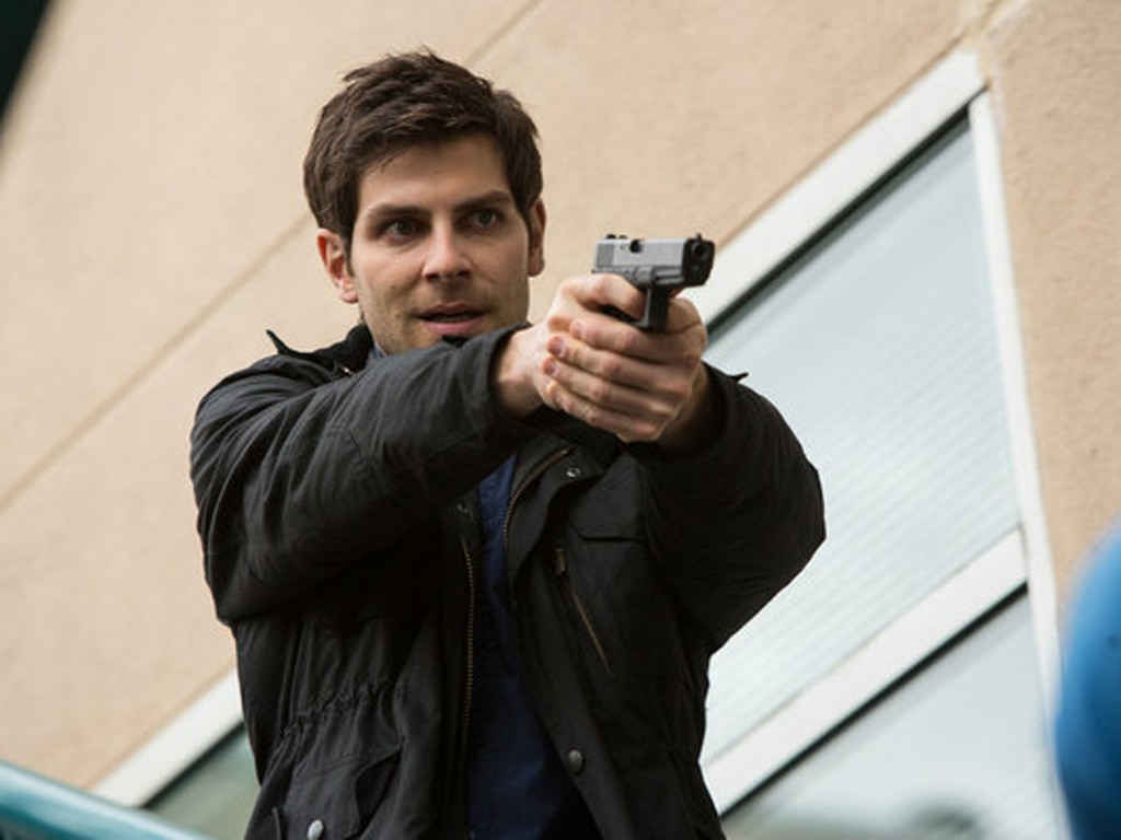 Grimm - Season 2 Episode 21: The Waking Dead