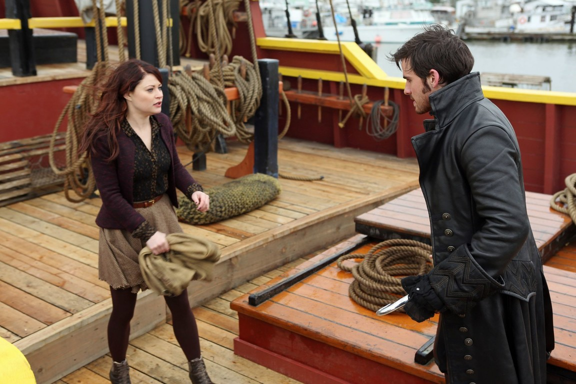 Once Upon A Time - Season 2 Episode 11: The Outsider