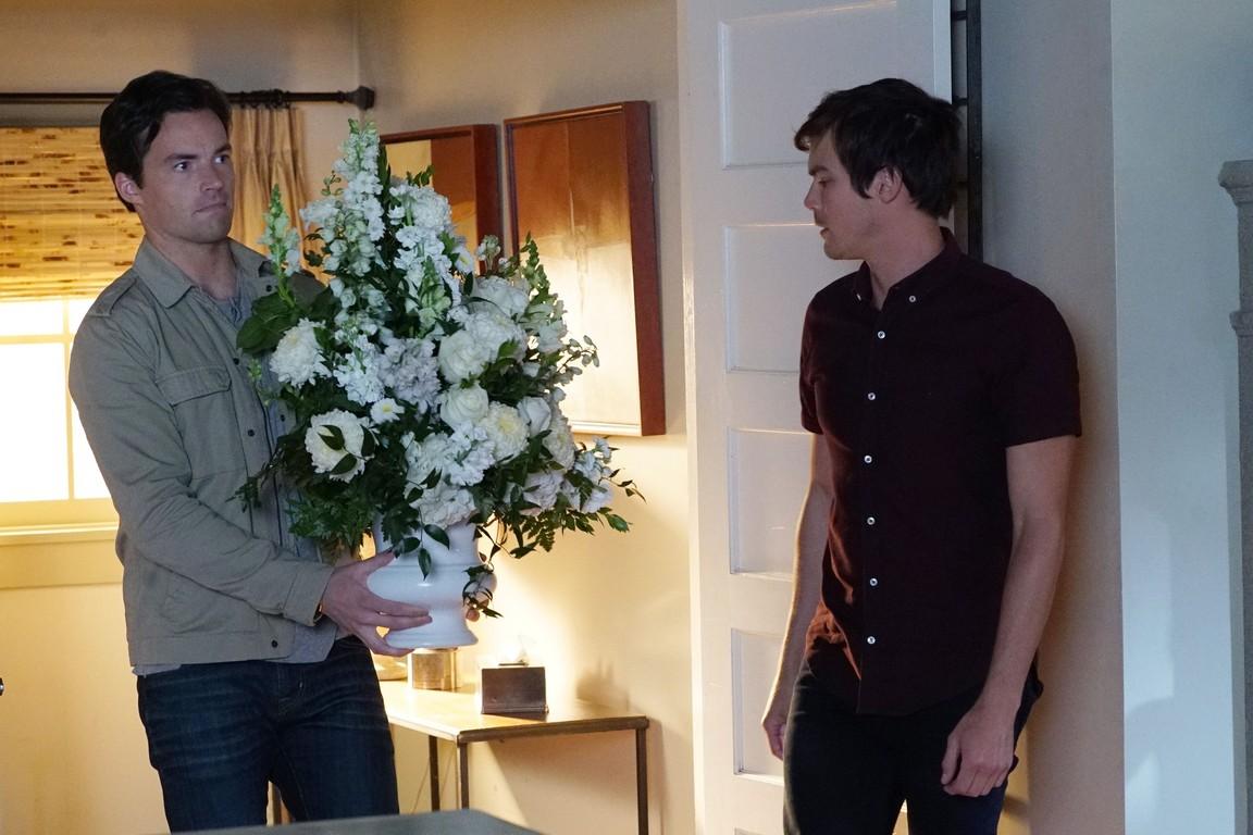 Pretty Little Liars - Season 7 Episode 02: Bedlam