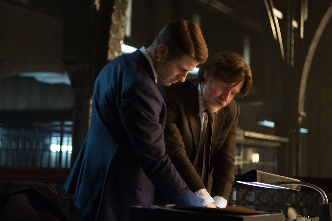 Gotham - Season 1 Episode 15:  The Scarecrow