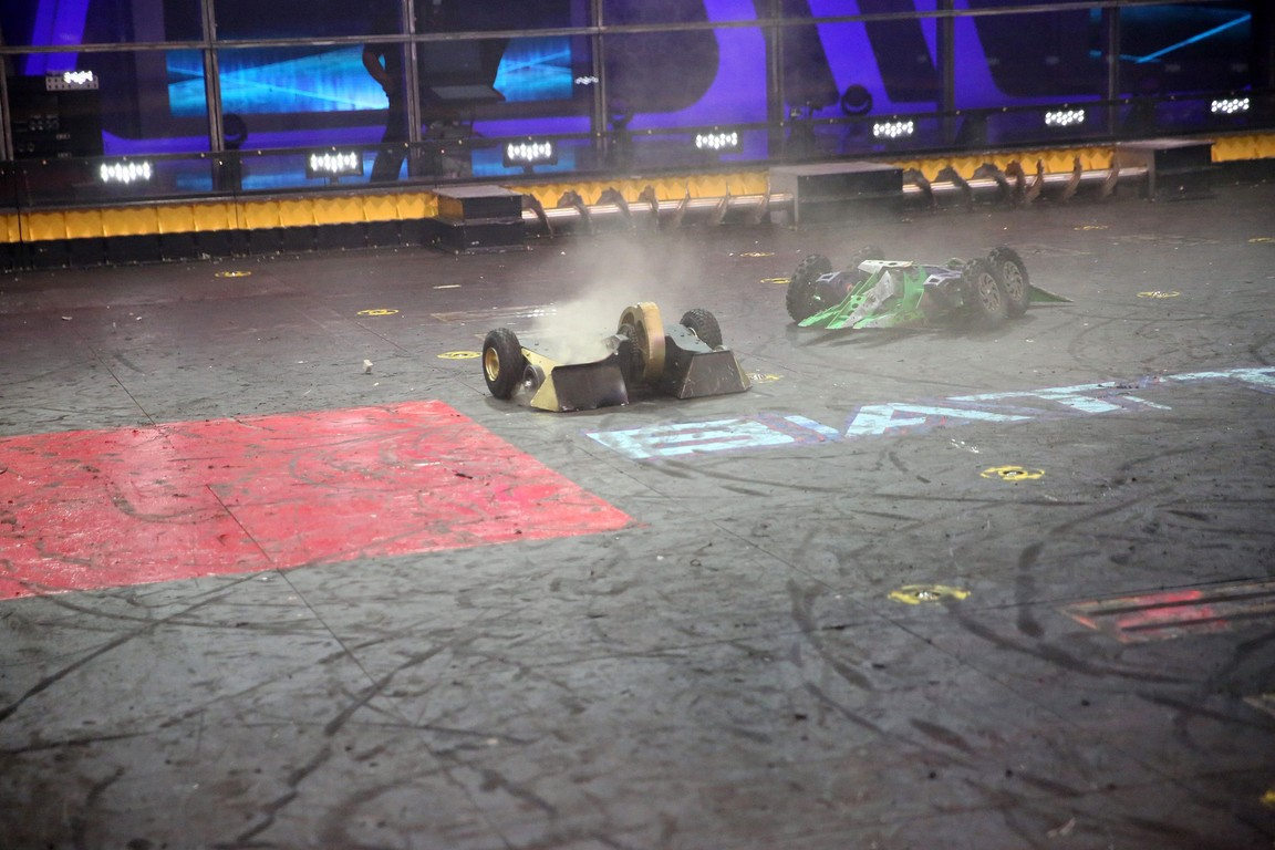 BattleBots - Season 2 Episode 05: The Good, the Bot, and the Ugly: The Round of 32 Concludes