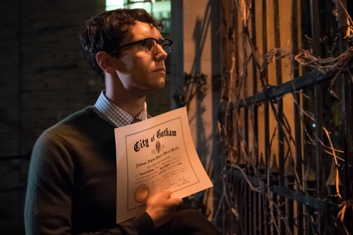 Gotham - Season 3 Episode 03: Mad City: Look Into My Eyes