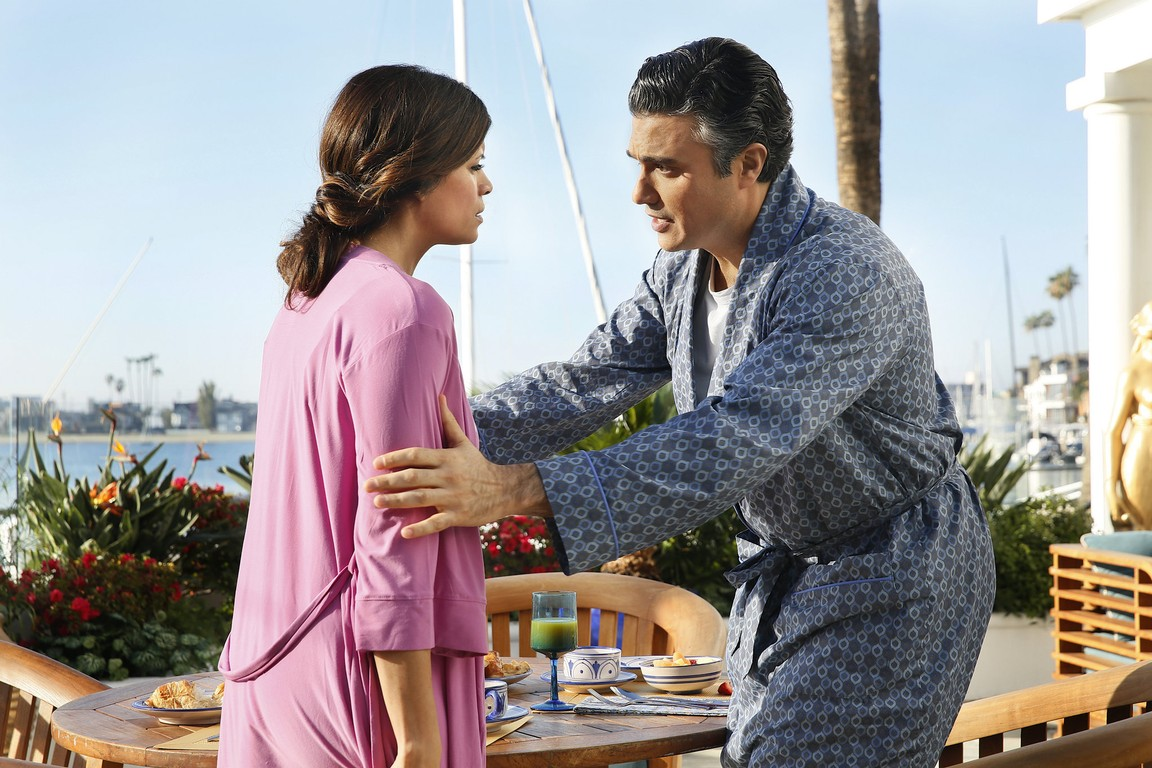 Jane The Virgin - Season 1 Episode 17: Chapter Seventeen