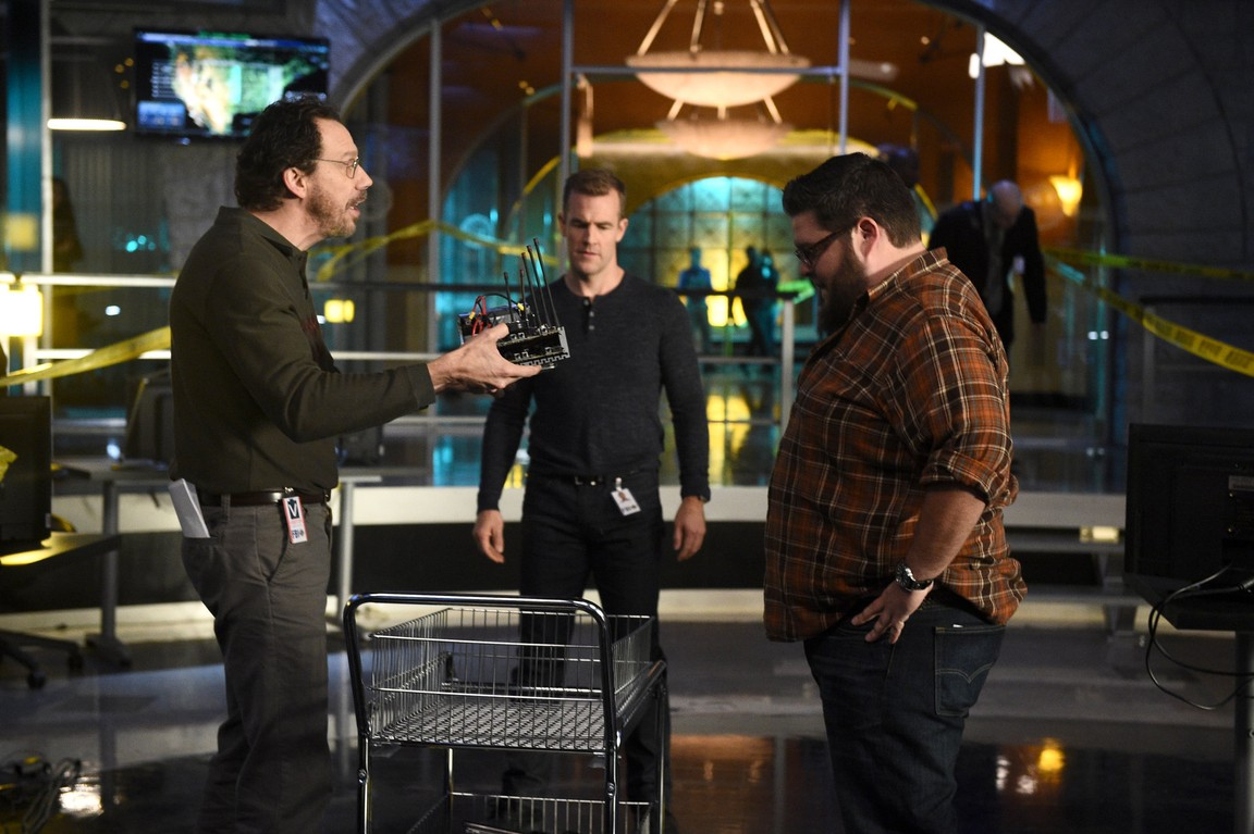 CSI: Cyber - Season 2 Episode 11: 404: Flight Not Found