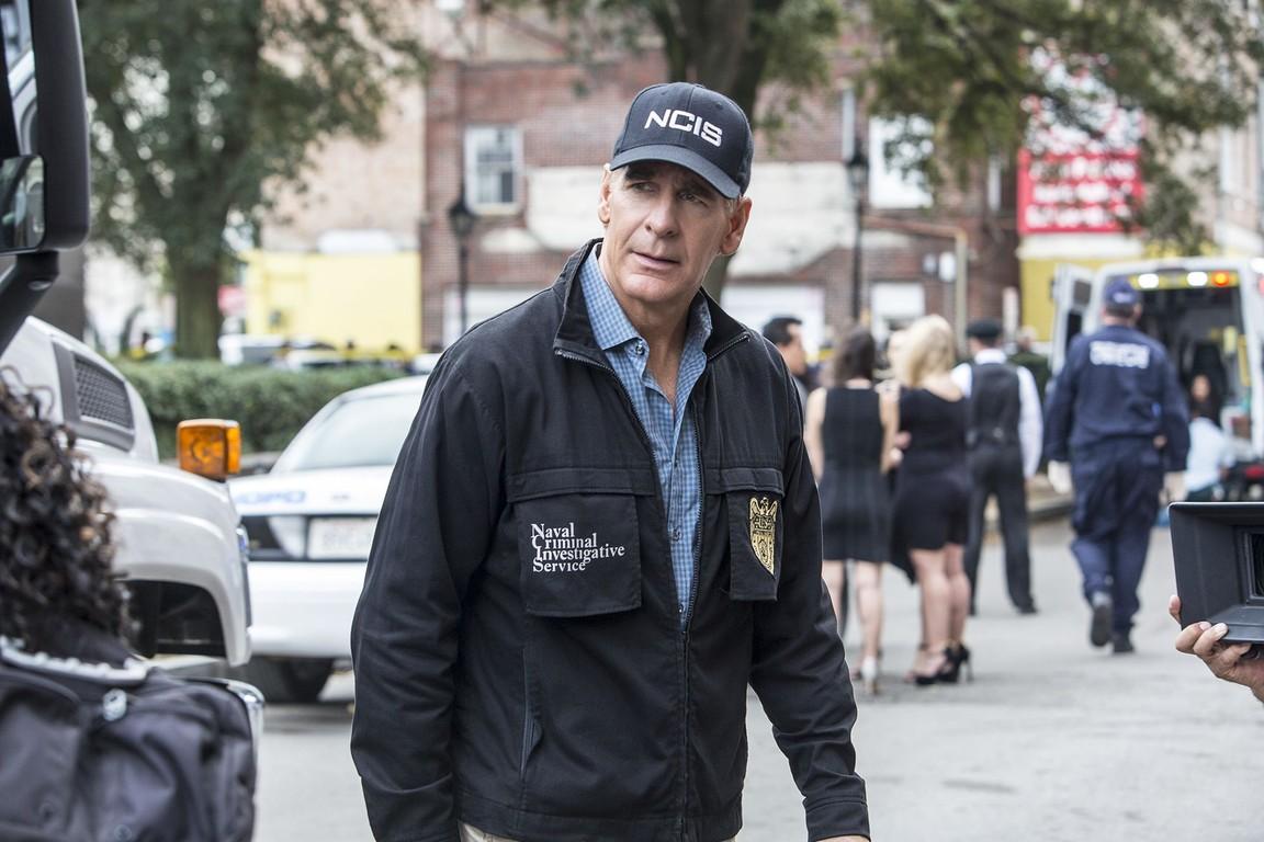 NCIS: New Orleans- Season 2 Episode 18: If It Bleeds, It Leads