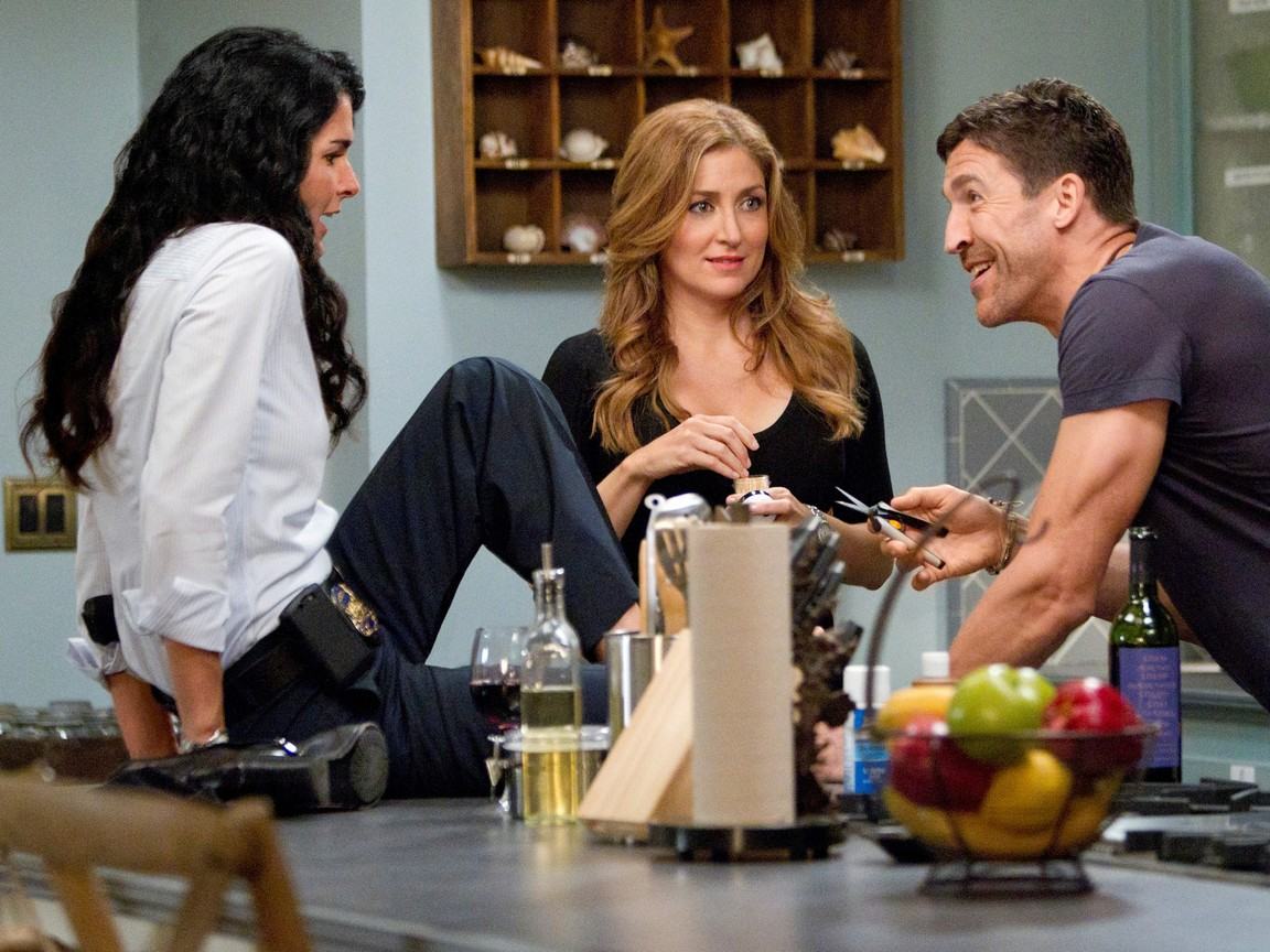 Rizzoli and Isles - Season 2 Episode 08 : My Own Worst Enemy