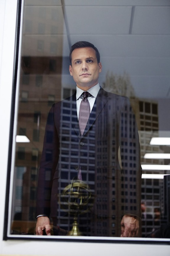 Suits - Season 4 Episode 13: Fork in the Road