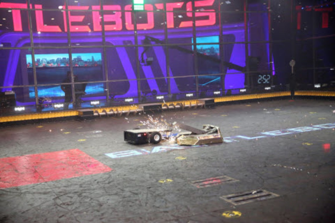 BattleBots - Season 2 Episode 04: Shake, Battle, and Roll: The Round of 32, Part 2