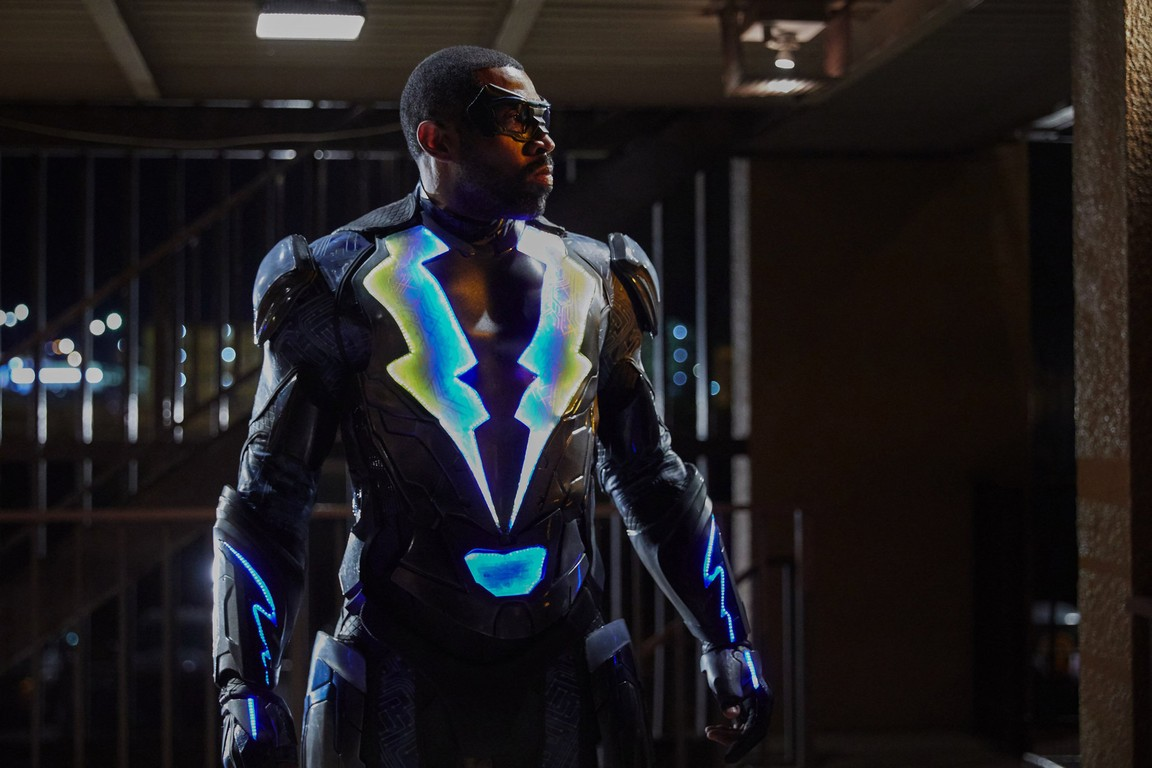 Black Lightning - Season 1 Episode 01: The Resurrection