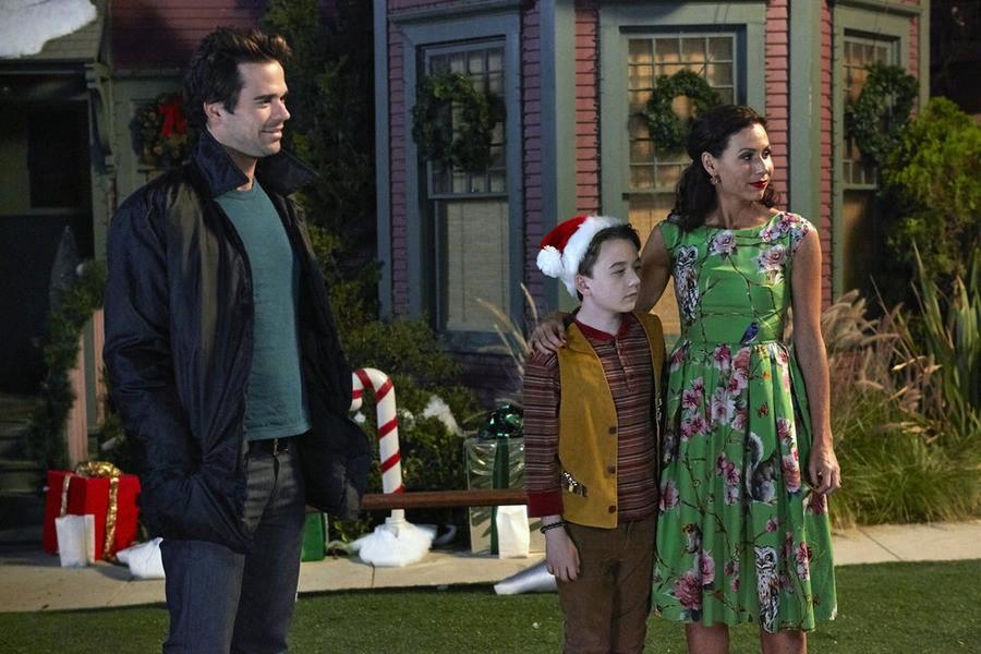 About a Boy - Season 2 Episode 08: About A Christmas Carol