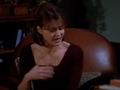 Frasier - Season 6 Episode 22: Visions of Daphne