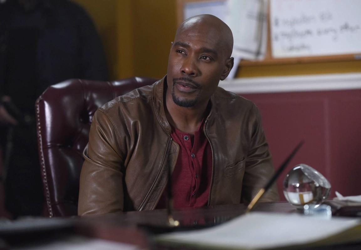 Rosewood - Season 2 Episode 16: Benzodiazepine & the Benjamins