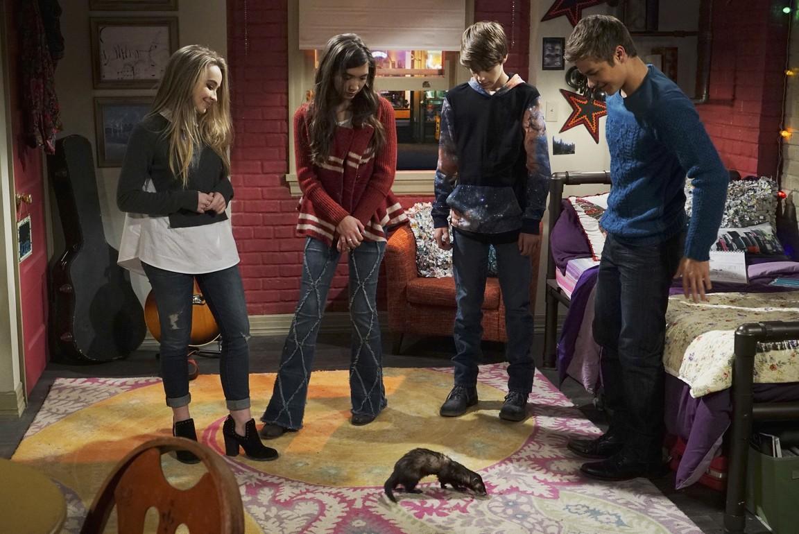Girl Meets World - Season 2 Episode 27: Girl Meets Money