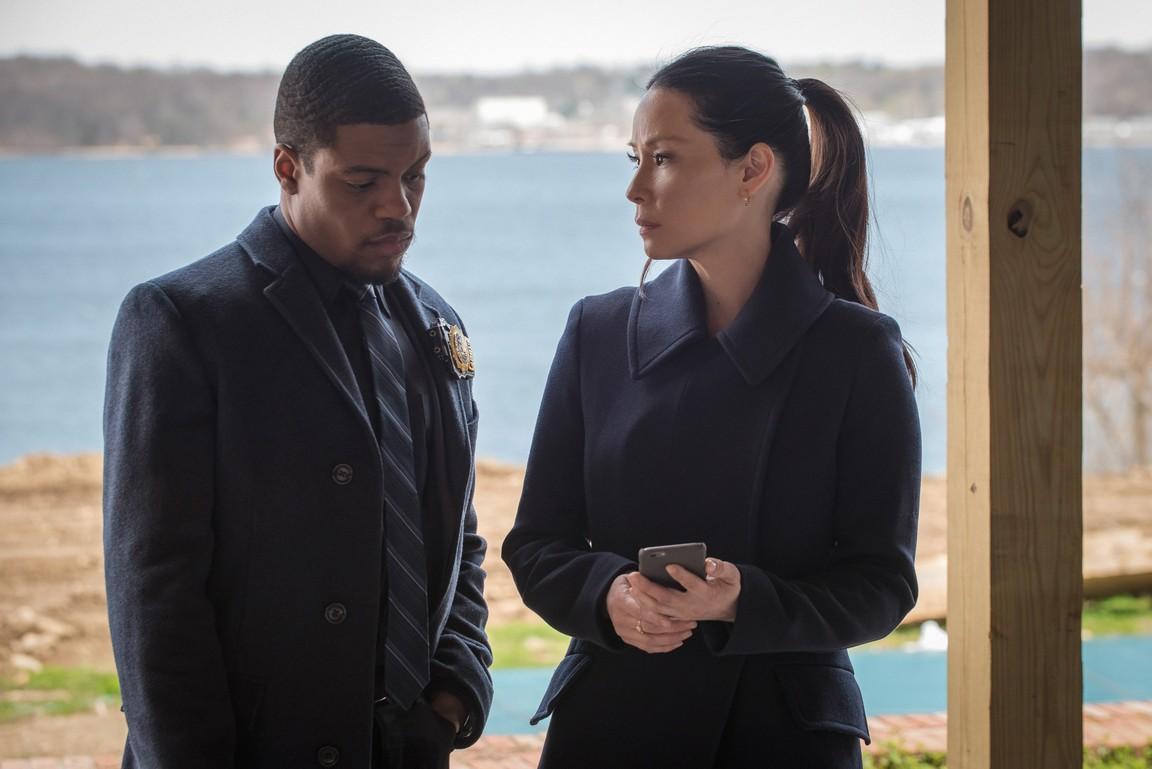 Elementary - Season 3 Episode 24: A Controlled Descent