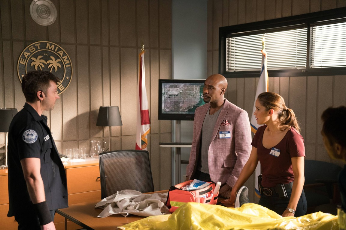 Rosewood - Season 2 Episode 10: Bacterium & the Brothers Panitch