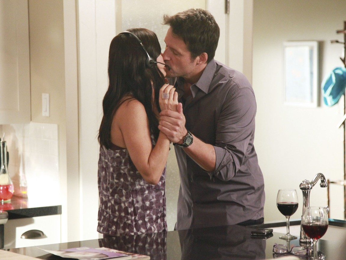 Cougar Town - Season 3 Episode 05: A One Story Town A One Story Town