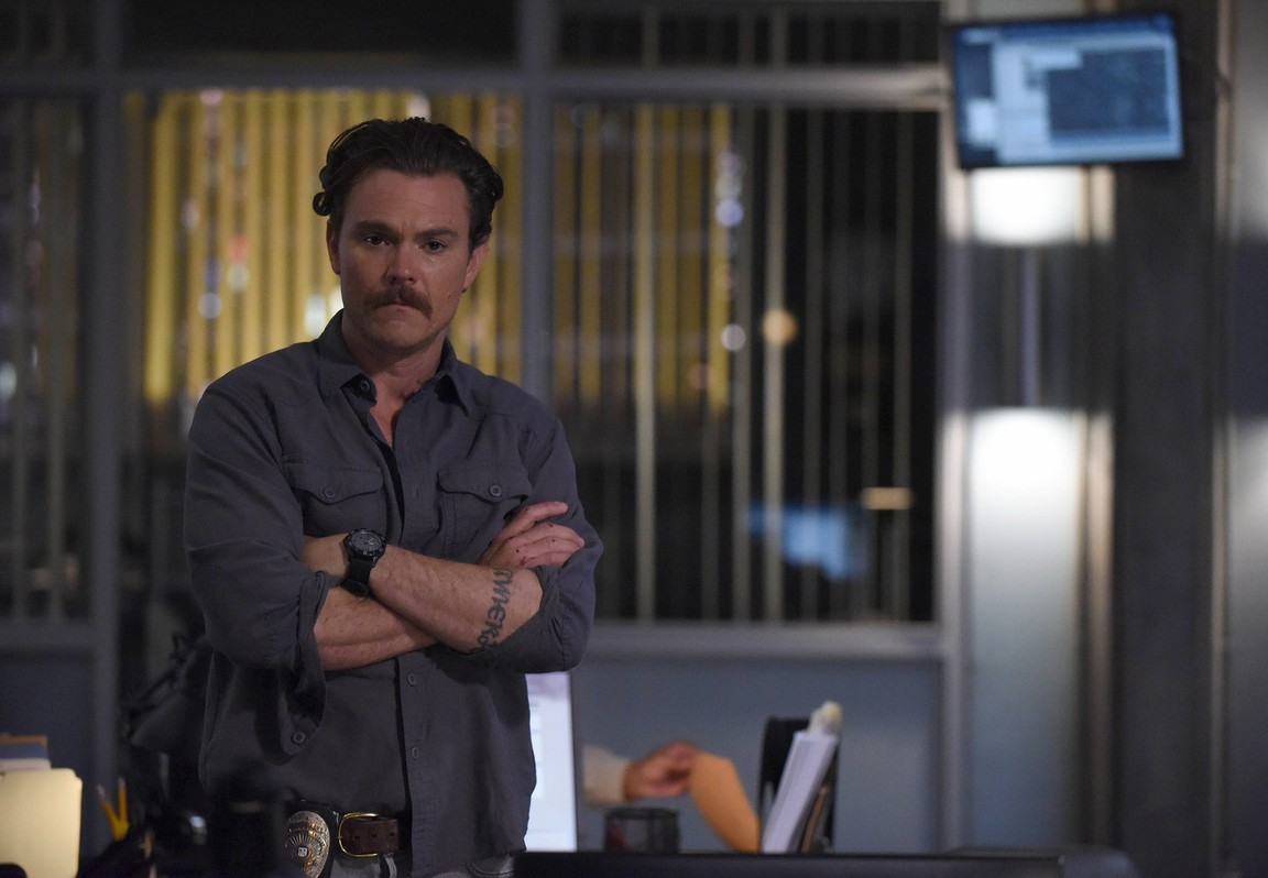 Lethal Weapon - Season 2 Episode 04: Flight Risk