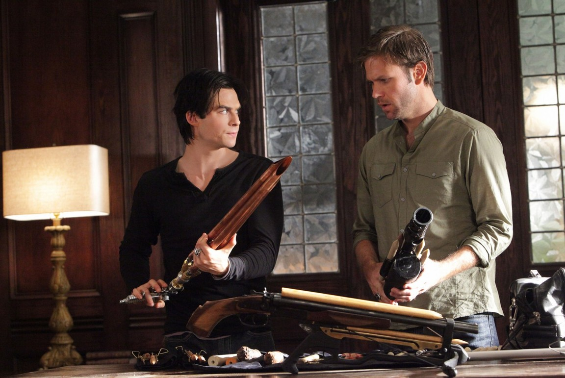 The Vampire Diaries - Season 2 Episode 07: Masquerade