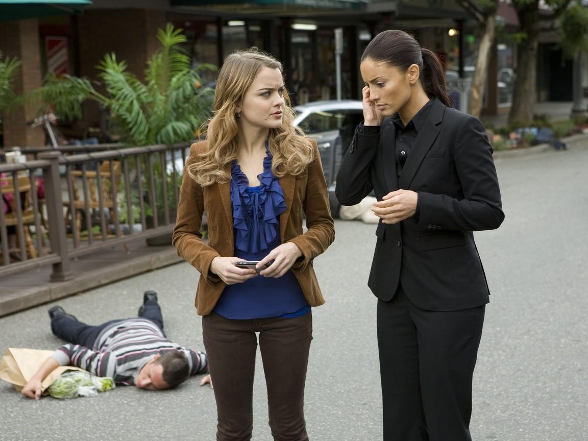Eureka - Season 4 Episode 15: Omega Girls